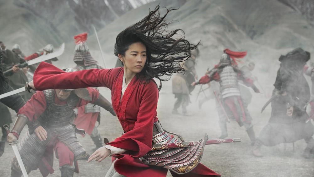 8 verschillen die jullie kunnen spotten in de nieuwe Mulan